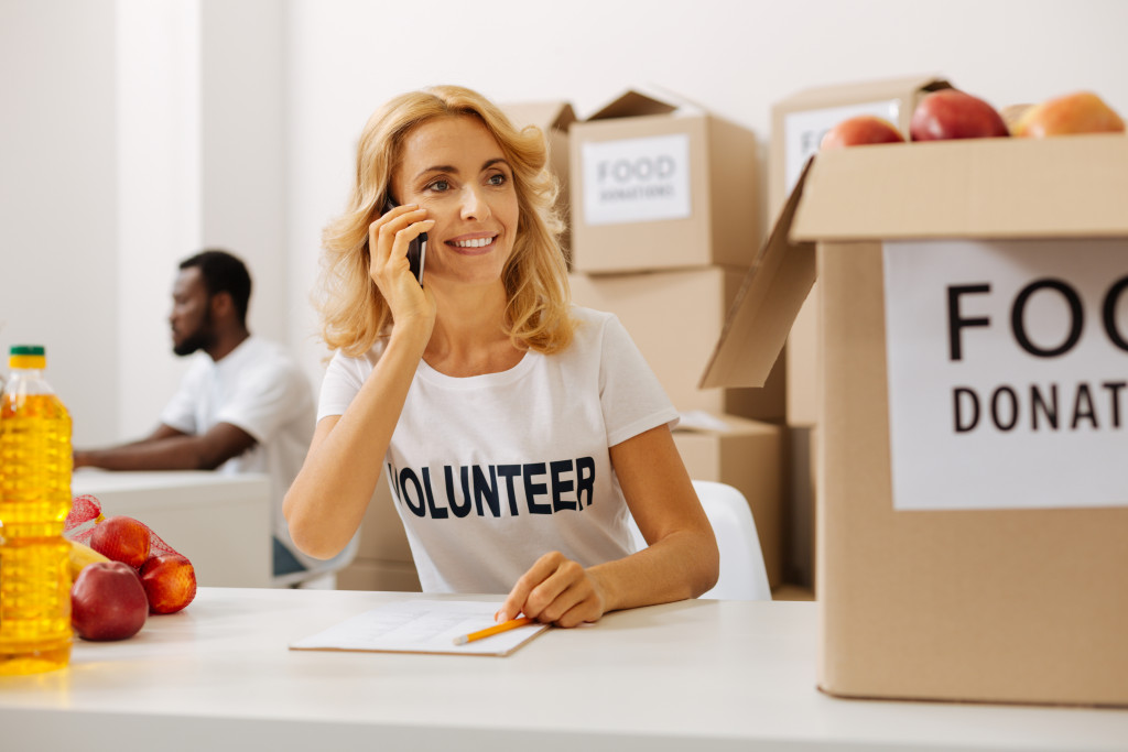 charity volunteer