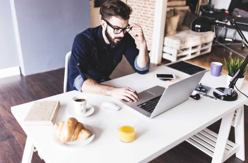 How You Can Prepare and Start a Business While Studying